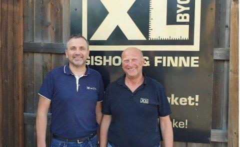 Daglig leder i Berge Sag Handel AS, Jan Berge (til venstre) og daglig leder i XL-BYGG Gisholt og Finne AS, Eivind Gisholt.