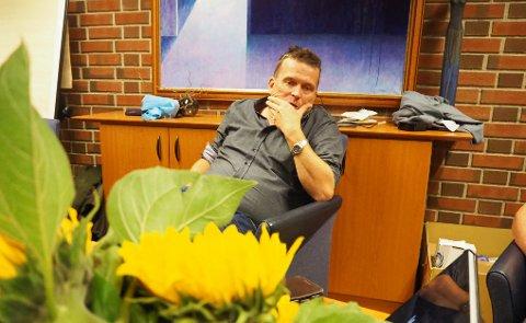 INGEN JUBEL: Alf Magne Grindhaug under valgvaken på rådhuset.