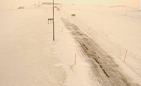 KOLONNE HER: Kongsfjordfjellet klokken 07:00 mandag 1. april.