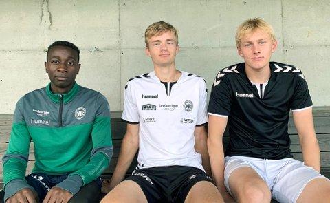 TAR TUREN SØROVER: Pacifique Nahimana jr. (f.v.), Ole Varhaug og Rasmus Auestad skal trene med EIK en gang i uka.