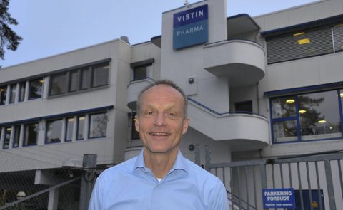 Øker produksjonen: Erik Løkke-Øwre er ny direktør for de to Vistin Pharma-fabrikkene i Kragerø. Han skal blant annet sørge for økt produksjonen av Ibux- og Paracettabletter i Gruveveien.