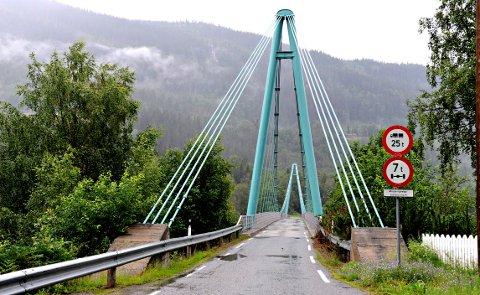 """Veien fra Åsly til Norefjord på vestsiden av Kravikfjorden ble foreslått kalt """"Fjordvegen"""" i forbindelse med adresseringen i Nore og Uvdal kommune."""