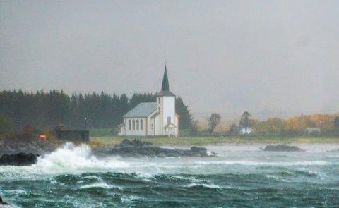 Herjet: Stormen herjet med Lofoten 22. september, men skapte ikke store skader på eiendom, ifølge forsikringsselskapene.