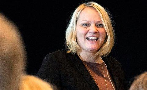 Stortingspolitiker Mona Fagerås (SV) reagerer på at kommuner med færre innbyggere med høyere utdanning enn landsgjennomsnittet får trekk i rammetilskuddet fra staten.