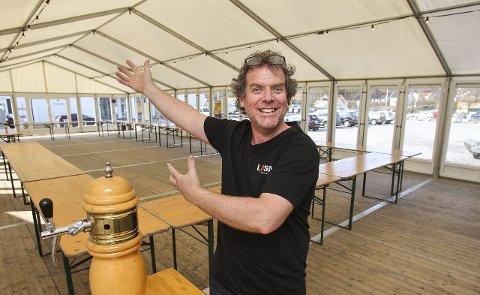 FYLLER TELTET: Losen har hatt en strålende sesong med utsolgte konserter og vellykket arrangementer. Lørdag avslutter Martin Mathisen teltsesongen med Oktoberfest og hæla i taket.