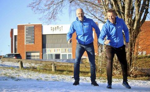 Trår til: Thomas Solberg (t.v.) og Christian Richardsen ved Spenst Moss inviterer hele distriktet til gratis trening på selveste nyttårsaften. Foto: Joakim Bekkåsen