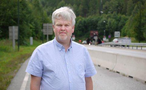DYRT: Samferdselspolitikeren Tønnes Steenersen i Viken fylkeskommune reagerer på bomprisen. - Det blir interessant å se hvor stor andel av tunnelen bilistene må finansieres.