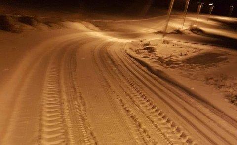 SPOR: Det var tydelig at en traktor hadde kjørt i skiløypene i Redalen.