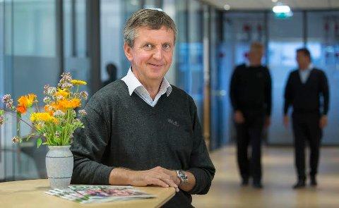 UTIVDER: Grue Sparebank utvider, og banksjef Hans Petter Gjeterud forteller at banken åpner et kontor i Elverum med to ansatte.