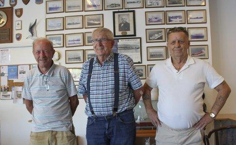 BORGESTAD-MANNSKAP: F.v. Kai Augestad var maskinist på flere Borgestad-båter, Arne Nyberg var inspektør i Borgestad-rederiet, og Arild Thors seilte på en rekke Borgestad-båter, med Reidar Helgesen som kaptein. Bak henger Gunnar Knudsen på veggen.