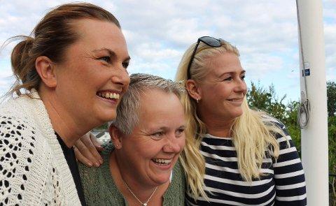 GIRLPOWER: Monica Arntzen, Ingunn Lundin Jensen og Marianne Markus med valgkampens lavmål så langt.