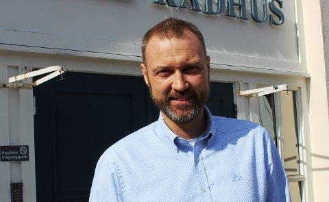 Kommunedirektør Geir Bjelkemyr-Østvang innstiller overfor kommunestyret at den lokale forskriften mot koronasmitte i Bamble forlenges til og med 17. juni.  Kommunestyret har ekstraordinært møte på Teams onsdag 9. juni klokka 17.
