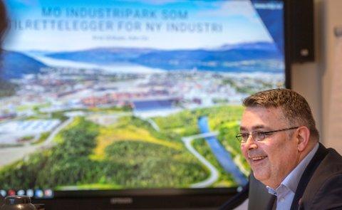 Kjell-Børge Freiberg i Frp har besøkt Rana flere ganger, som her da han var olje- og energiminister i januar i fjor. Sist uke besøkte han Rana Gruber, og han sier at Frp vil kreve i forhandlingene med regjeringen at det blir gitt 65 millioner kroner til dypvannskai til Rana havn.