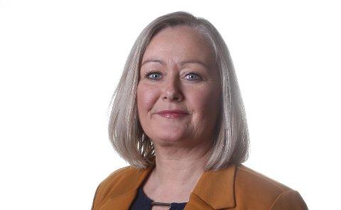 Mona Nilsen, gruppeleder Nordland Arbeiderparti, mener at Høyre kutter i fylkene og skylder på alle andre.