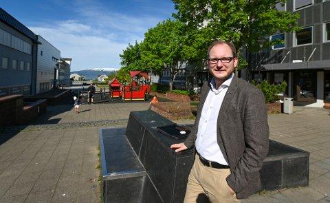 – Jeg blir frustrert over at man tar så lett på ting. Det kan være at vi er så godt vant, men det er ikke gitt at det er sånn i framtida, sier regiondirektør Daniel Bjarmann-Simonsen i NHO Nordland.