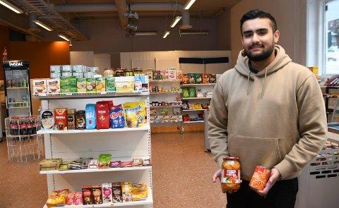 Ny eier på plass: Ali Asghar fra Oslo er ny eier av dagligvarebutikken i Passasjen.