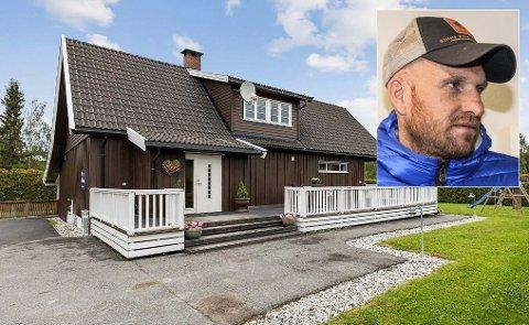 TIL SALGS: Den tidligere fotballproffen Erik Hagen har lagt ut eneboligen sin på Veme for salg.