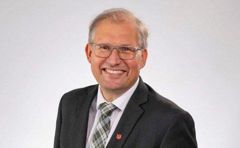 Fylkesordfører Terje Riis - Johansen  (foto Tom Riis)