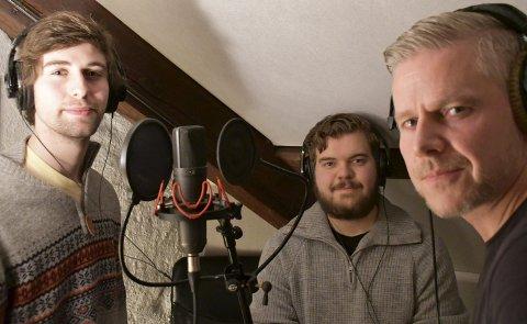 I studio: Ole-Erik Stavenjord og Steffen Skjørberg her sammen med Geir Wigtil, som spiller inn episode tre av podkasten. ALLE FOTO: INGUNN HÅKESTAD BRÅTHEN