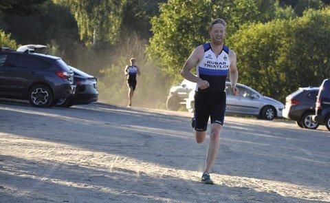 Til topps: Alf Petter Halle sikret seieren i årets utgave av Meløstranda Triathlon. Begge Foto: Ann Kristin Saastad
