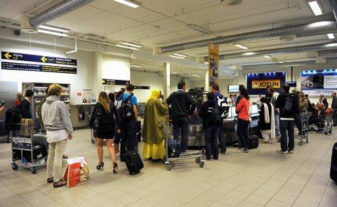 Konkursen til blant annet Air Berlin fører til økt kapasitet hos europeiske billigflyselskap neste år. Det gir igjen billigere billetter, men neppe ved flyplassene her til lands. (Arkivfoto. Sandefjords Blad)