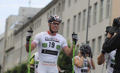 VERDENSMESTER: Ragnar Bragvin Andresen avgjorde teamsprinten i VM på siste etappe. Foto: Tobias Nordli