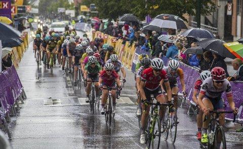 200.000 KR: Formannskapet bevilget torsdag 200.000 kroner til neste års utgave av Ladies Tour of Norway. Bildet er fra rittet i 2016 som også hadde målgang i Sarpsborg.