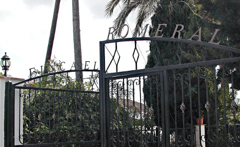 NEDLAGT: 1. mars stengte portene for godt på Finca el Romeral, Indre Østfolds eget interkommunale sykehjem i Spania. Sykehjemmet slet med å fylle opp alle plassene. Nå strever styret med å finne noen som vil kjøpe eller leie den store eiendommen. Arkivfoto
