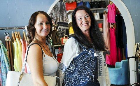 SATSER: Linda Bratsberg (t.v.) og hennes mor Mette Ribe åpnet lørdag ny butikk i Stavern.