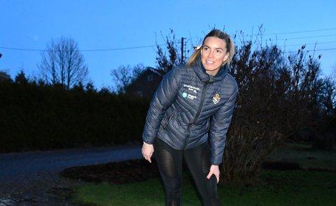 STYGG SKADE: Dorthe Groa skadet kneet stygt i oktober i fjor. Alt hun kan gjøre i disse dager er å følge et egentreningsprogram for å komme raskest mulig tilbake. Foto: Kristian Holtan