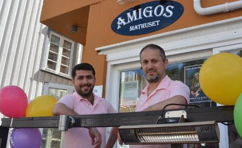 STENGER: Omar Khallo og Georg Neuber ved Amigos Mathuset. Arkivfoto: Thorvald G. Tveitereid