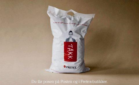 SPESIALLAGET: Posen er spesiallaget for frakt av brukte klær og tilbehør, og kan hentes hos Posten og alle som har Post i Butikk.