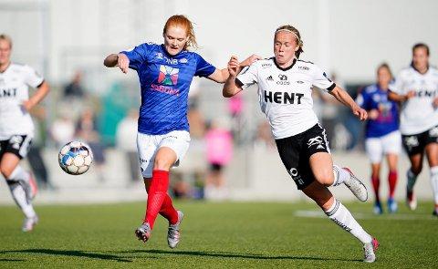 God i rbk: Julie Blakstad (til høyre) har scoret sju mål for Rosenborg i år. Hun har vært sterkt delaktig for trøndernes suksess i Toppserien. Foto: NTB