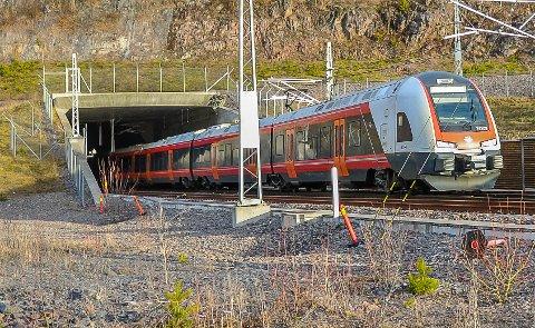 FØRE VAR: Lokførerne er ekstra oppmerksomme på Vestfoldbanen tirsdag.