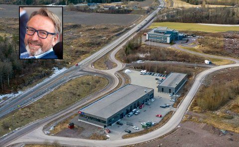 ORIGO NÆRINGSPARK: Eiendommen ligger i et ganske nyetablert næringspark på Skoppum, med nærhet til E18. Tomten er på hele 9.257 m². Det er MSI Eiendom AS som solgte eiendommen. Trond Stensholt i Q4 Næringsmegling bekrefter nå at eiendommen ble solgt i rekordfart.