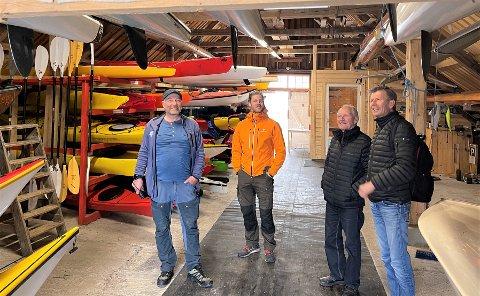 RISØR-BEFARING: Risør er en del av en ny padleled som strekker seg helt til Halden. Fra venstre: Trond Glesaaen, Daniel Green (begge Ro- og padleled Oslofjorden), Olav H. Fismen og Bjørn Arntzen (begge Risør Ro- og Padleklubb).