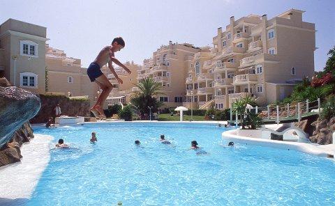 (Bilde 1) SOMMER OG SOL: En god reiseforsikring kan spare deg for mye penger om uhellet er ute i ferien.  FOTO: Vidar Ruud / NTB scanpix / NTB scanpix
