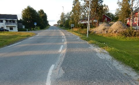 Søster Brits vei i Sørfold kommune får bredere asfalt. Foto: Sørfold kommune/skjermdump