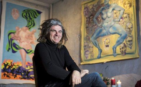 Roger Iversen i det nye galleriet han har åpnet for Laurie Grundt. Nå vil han gjøre det gamle gassverkbygget til  kulturhus. Blir Roger Iversen Årets Bergenser?