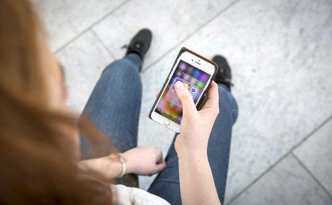 Isabel Wiig skriver om hvordan ungdom styres av tilbakemeldinger i sosiale medier i dette innlegget. Det er en tankevekker.