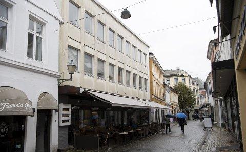 I Strandgaten står nok en gang antikvariske hensyn    opp mot ønsket om å utvikle også sentrale deler av Bergen.
