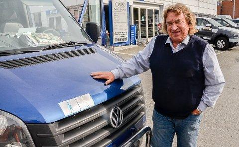 NYTT LOVVERK: – Det nye taxi-lovverket som trer i kraft 1. november stiller ikke krav om døgnvakt. Ved enerett plikter løyvehaverne derimot å ha vakt døgnet rundt, sier Kjell Andersen.