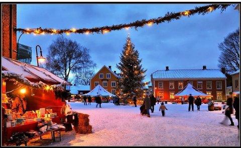 """Filmen om """"Jul i Skomakergata"""" bør spilles inn her i Gamlebyen, mener Atle Ottesen."""