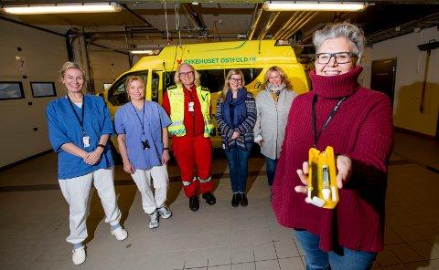 Samarbeid: Arbeidet mot overdoser involverer flere aktører. Her er Elisabeth Gudim (fra venstre) og Mona Gjevikhaug fra Feltpleien, Liv Mohrsen fra Ambulansetjenesten, ruskonsulentene Kine Norbom og Silje Johansen fra ressursteam overdose og prosjektleder Gry Haugland med nesesprayen nalokson foran.