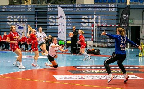 IKKE SKUDDREDD: Thale Rushfeldt Deila scoret åtte mål mot Fana. Seks av dem før pause.