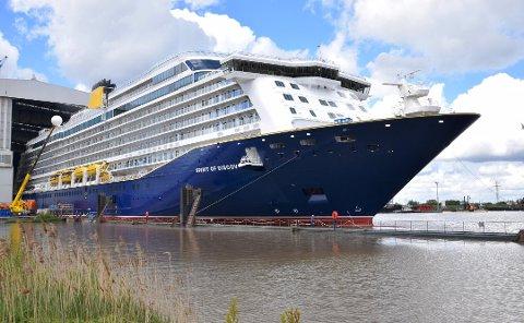 «Spirit of Discovery» skulle anløpe Fredrikstad fredag, men besøket ble avlyst.
