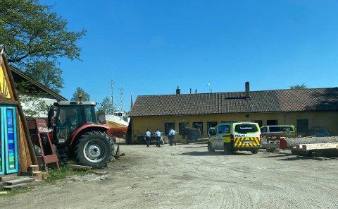 Politiet besøkte Isegran torsdag formiddag. De forberedte seg på kongelig besøk.