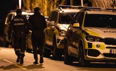 – GROV VOLDTEKT: Sju menn er siktet for grov voldtekt av en kvinne i 20-årene. De ble pågrepet i Hønefoss natt til tirsdag.