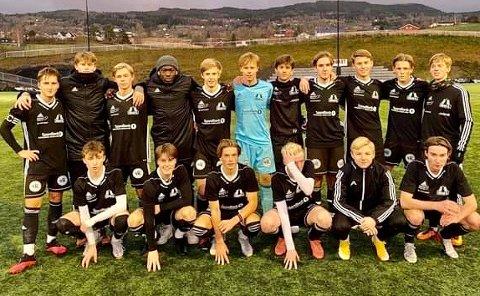 VANT: Grans juniorer avsluttet sesongen med en sterk seier (4-0) over Lillehammer i Idrettsparken søndag.