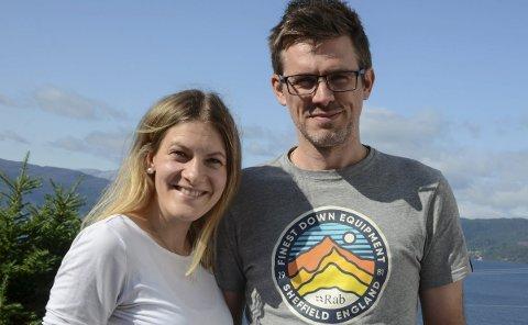 Har ein draum: Elisabet Hesvik og Nick Horrell valde å flytta frå New Zealand til hennar heimplass. Alt låg til rette for å etablera seg og bli ein del  aktiv av lokalmiljøet. Trudde dei. Foto: Mette Bleken
